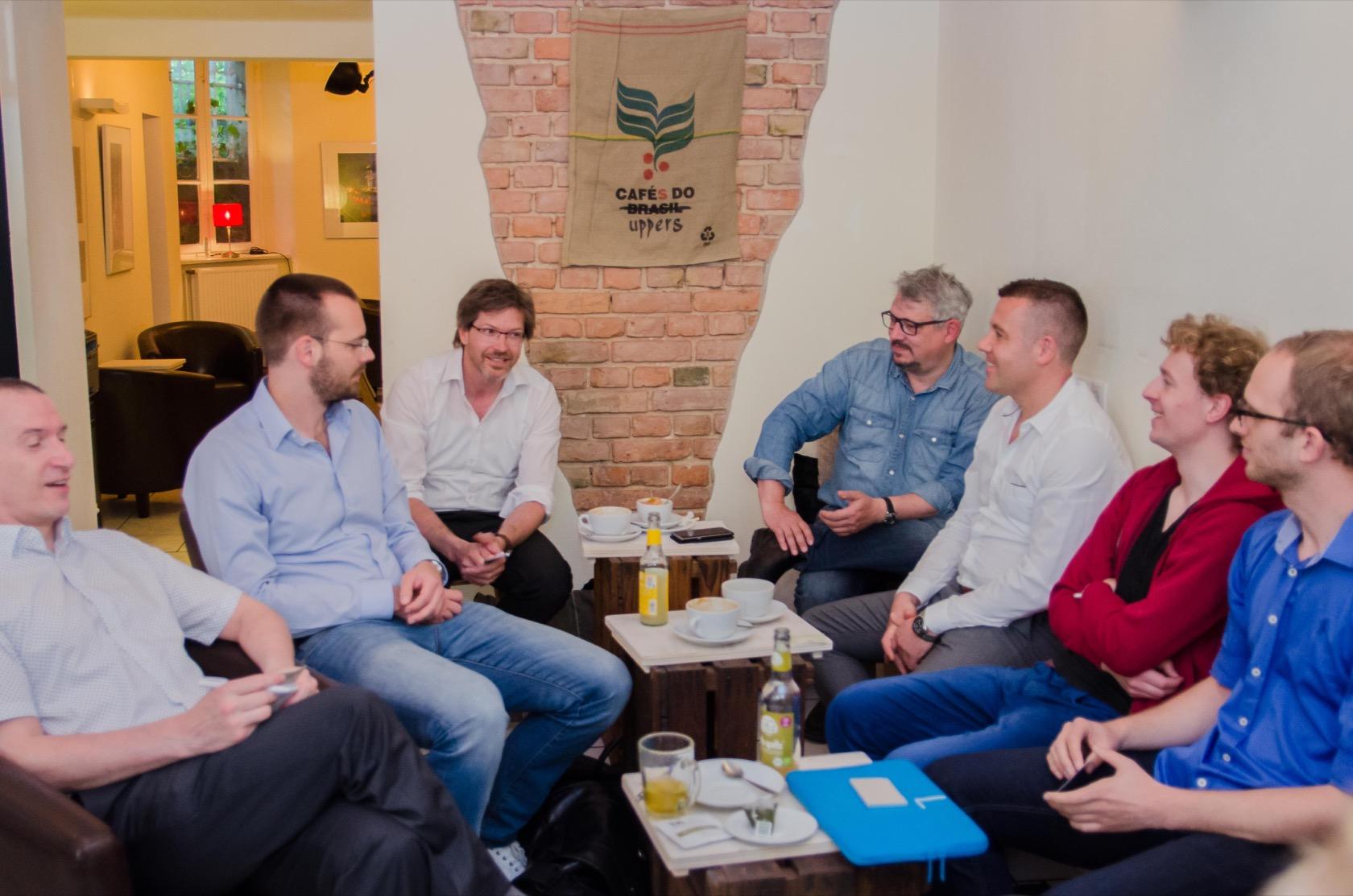 Es war eine gemütliche Runde in Kreuzberg, bei der aber auch das Netzwerken nicht zu kurz kam.