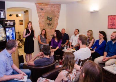 Simone Lorenz hielt einen Vortrag rund um das Thema wirksames Kommunizieren im Führungskontext