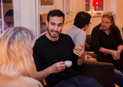 Im Anschluss können sich die Teilnehmer eigenständig neue Gesprächspartner suchen, so dass jeder die Gelegenheit hat, ganz gezielt zu netzwerken