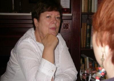Dr. Karin Rasmussen im Gespräch.