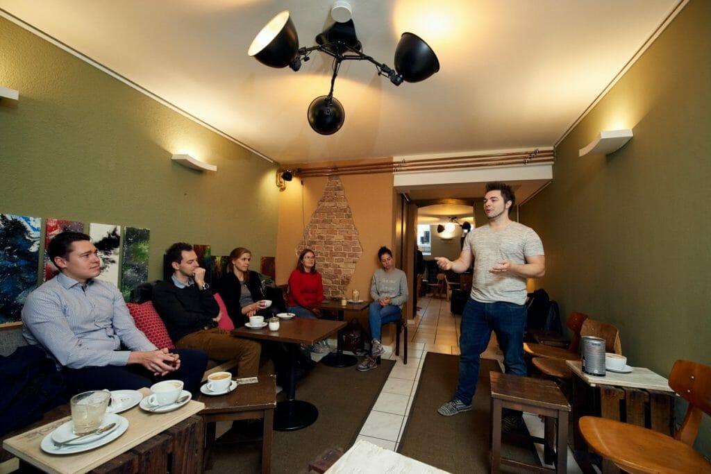 Die Moderation des Meetups im Oktober übernahm diesmal Oli im Alleingang